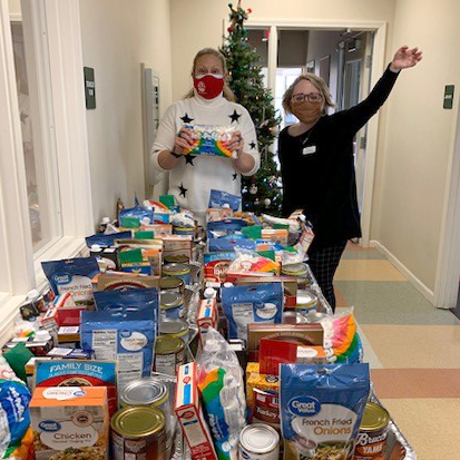 Thanks to our community partners in Nebraska, residents at Crestview had a delicious meal kit delivered for the holidays.
