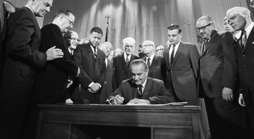 president Lyndon Johnson signing the Fair Housing Act