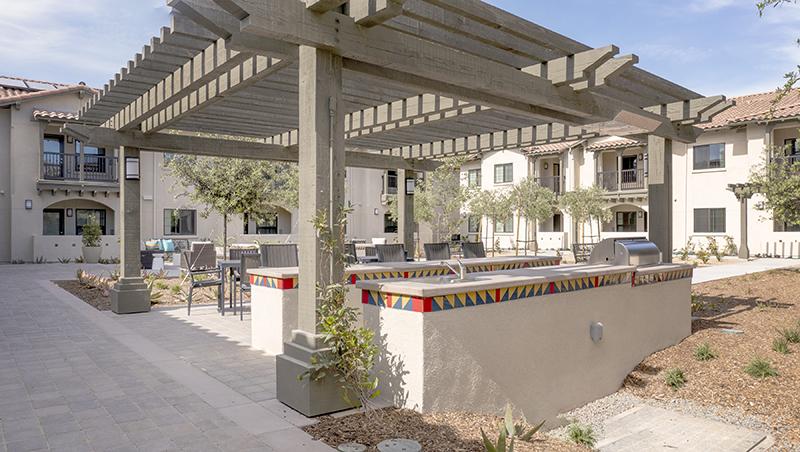 Villa de Vida Poway courtyard